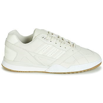 Baskets basses adidas A.R. TRAINER