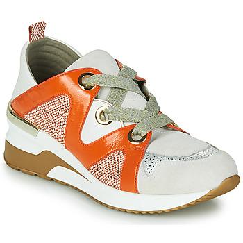 Chaussures Femme Baskets basses Mam'Zelle VELODE Beige / Orange