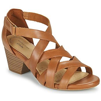 Chaussures Femme Sandales et Nu-pieds Clarks LORENE POP Camel