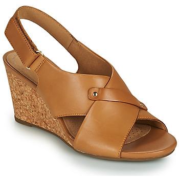 Chaussures Femme Sandales et Nu-pieds Clarks MARGEE EVE Beige