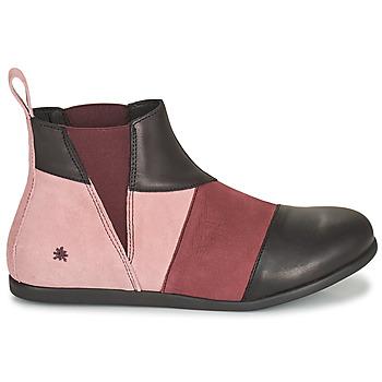 Boots Art LARISSA