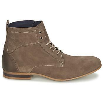 Boots Carlington estano