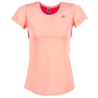 Vêtements Femme T-shirts manches courtes New Balance ACCELERATE T Corail