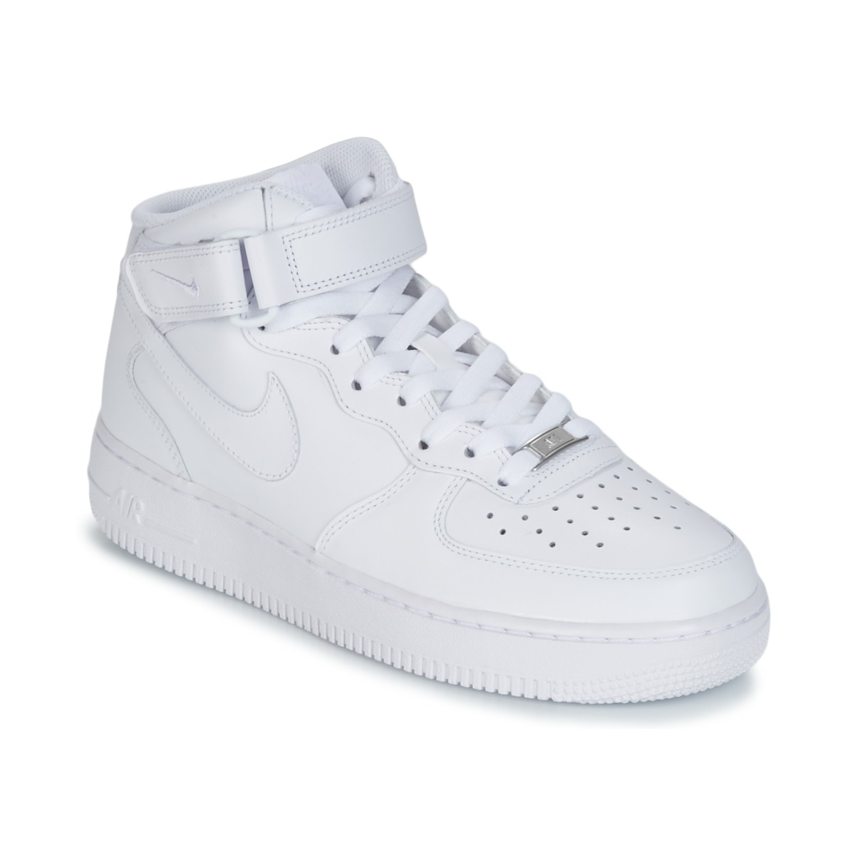 chaussure hommes montante nike