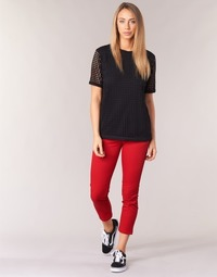 Vêtements Femme Chinos / Carrots Volcom GMJ FROCHICKIE PANT Rouge