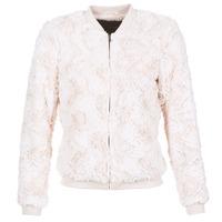 Vêtements Femme Vestes / Blazers Vero Moda EVA Beige